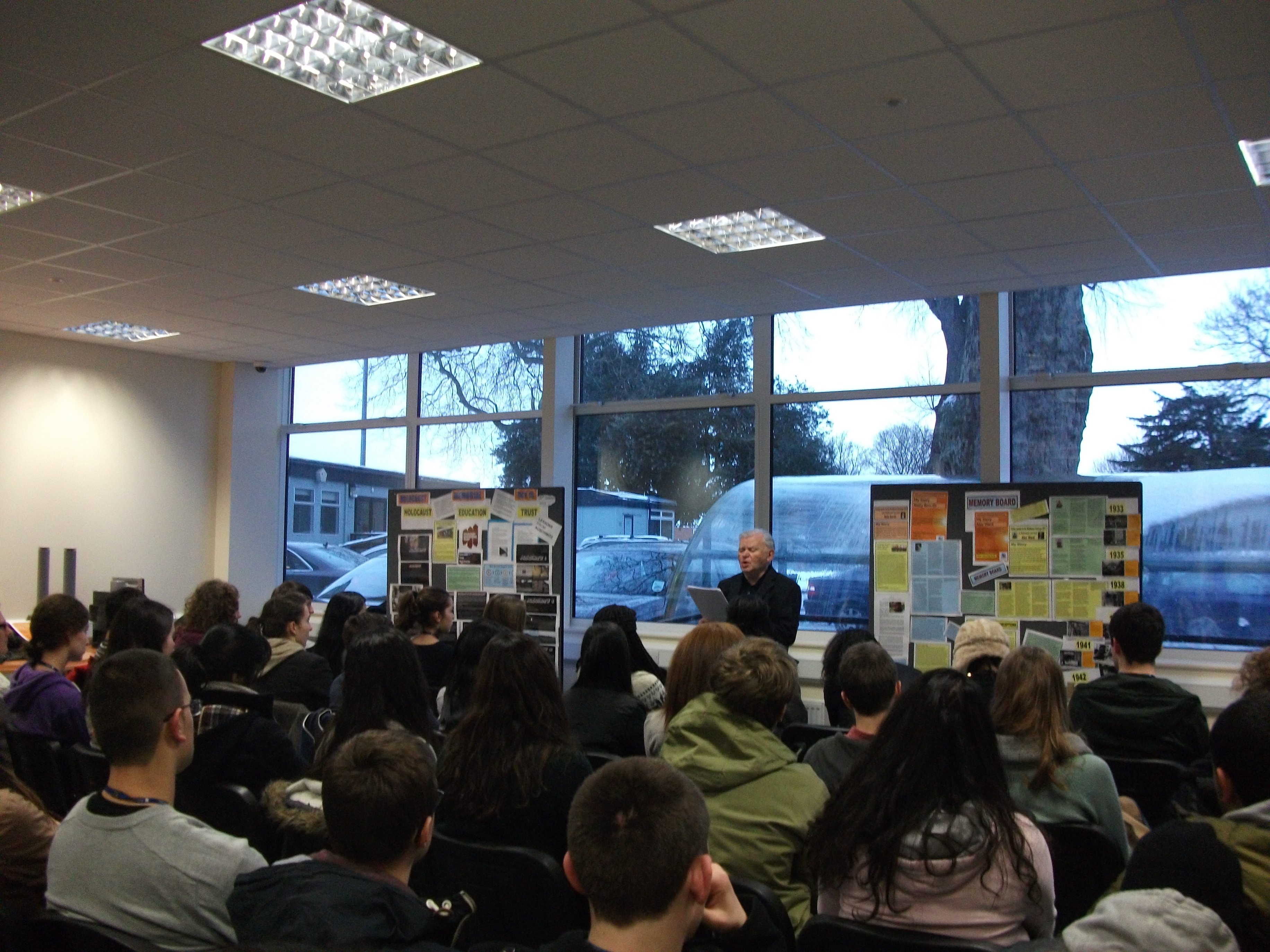 Holocaust Survivor Alec Ward Visits College